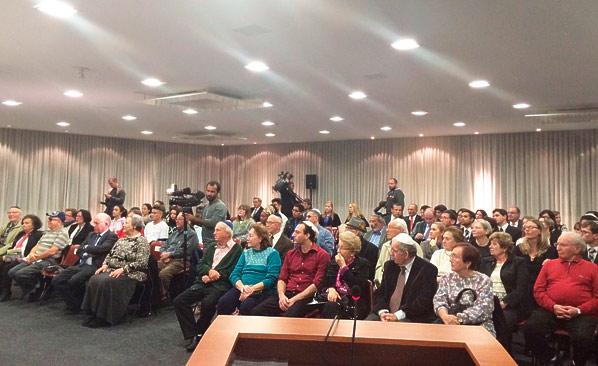 Esta Sessão Solene que realizo há 14 anos, é um libelo pelos judeus e por todos que sofreram na Segunda Guerra Mundia