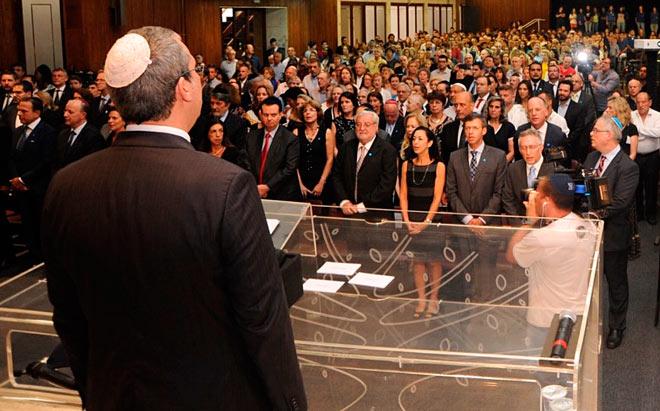Mais de 1000 pessoas participaram de ato da comunidade judaica em Memória das Vítimas do Holocausto
